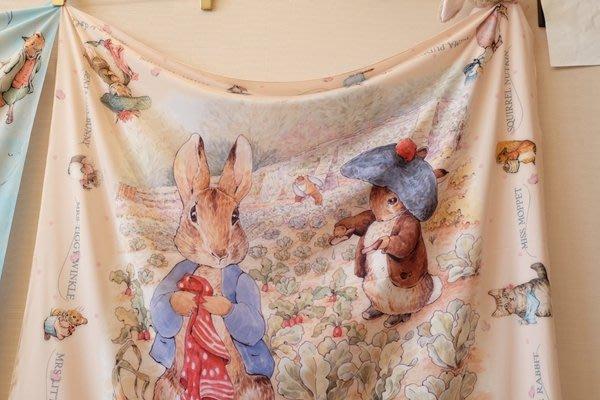 ♥ 小花日韓雜貨 ♥--超可愛彼得兔PETER RABBIT肉杏色方形絲巾披肩