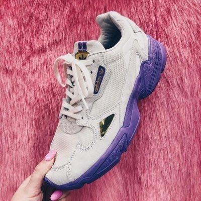 【路克球鞋小天地】愛迪達 Adidas TFL Falcon 米白 薰衣草紫 淺灰 英國地鐵 老爹鞋 EE7882