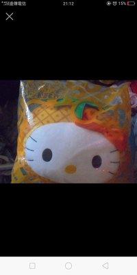 Hello Kitty 陽光鳳梨 抱枕 ( 麥麥幫 仲夏農場抱枕 麥當勞 枕頭 玩具 )