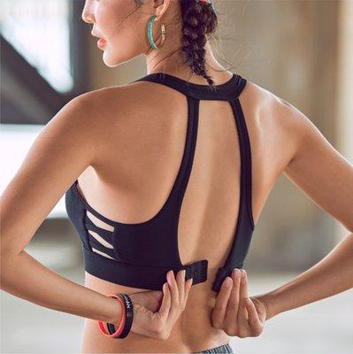 時尚性感運動內衣 高強度防震 高透氣度不悶熱 鏤空美背 固定襯墊胸部不跑動不移位 健身房瑜珈跑步戶外運動 J84