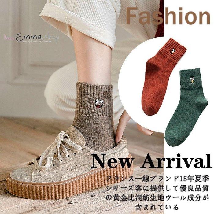 EmmaShop艾購物-日韓可愛搞怪表情中筒潮襪-板鞋帆布鞋的百搭單品