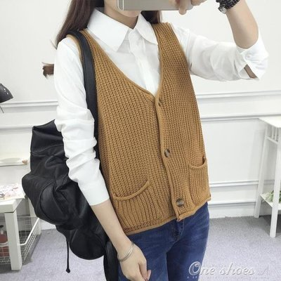ZIHOPE 秋裝短款針織馬甲女正韓學生開衫馬夾毛衣百搭寬鬆口袋上衣潮ZI812