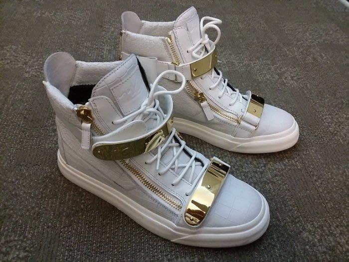 近乎全新!Giuseppe Zanotti Design 白色鱷魚壓紋 金屬條 高筒球鞋 EU Size 42※經典鞋款