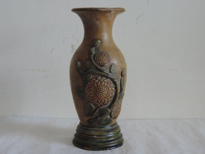 丁香之家----宋元 三彩貼花紋瓶