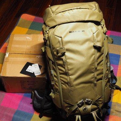 長毛象 MAMMUT Trion Spine 50 橄欖綠 最適合攝影空拍玩家的登山包