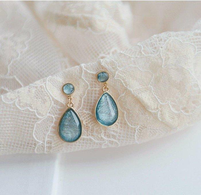 CN 簡約氣質藍碧拉絲水滴型銅鍍金防敏925銀針耳環