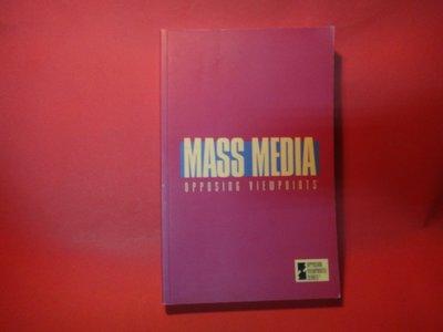 【愛悅二手書坊 08-15】Mass Media: Opposing Viewpoints
