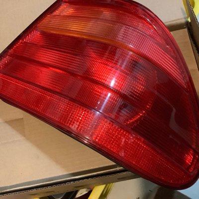 Benz 賓士原廠 前期 W210 E class 右尾燈 後燈 煞車燈 方向燈
