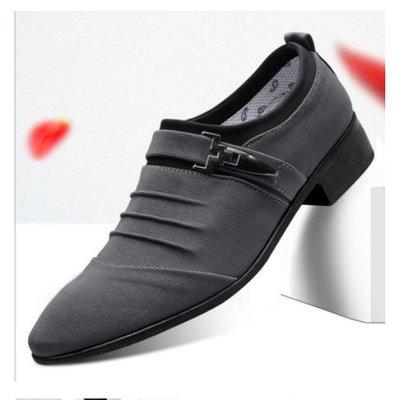 韓版英倫休閑男鞋尖頭商務皮鞋男士搭扣黑色軟皮正裝套腳工作鞋男--獨品飾品吧