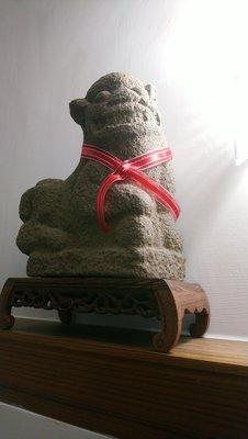 【崇文堂】清代精美「花崗石/閩式風格案頭笑笑老石獅」一對/案頭獅/發財獅