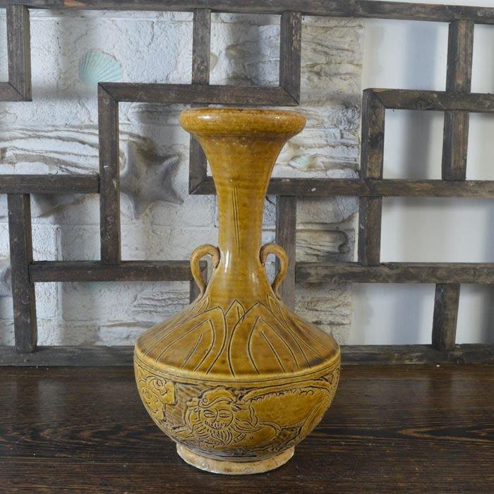 百寶軒 仿古瓷器復古做舊南宋越窯風格黃釉神獸紋長頸瓶古董古玩擺件 ZK1793