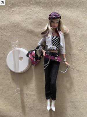 九州動漫芭比 Barbie Hello Kitty 2007 珍藏版 凱蒂貓 嘟嘟嘴 超模 現貨2