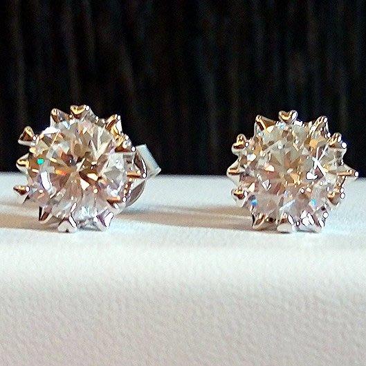 鑽石耳環1克拉雪花型 舒適 不過敏 結婚 情人節禮物 鑽石高仿真鑽石純銀戒指 首飾   FOREVER鑽寶