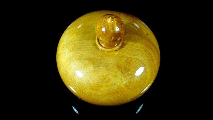 [福田工藝]台灣黃檜閃花聞香聚寶瓶/木質堅硬 顏色桃喜氣味芳醇[黃檜瓶1]