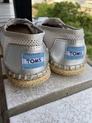 【TOMS】(女)TOMS UNIVERSITY  懶人帆布鞋-銀色 台中市