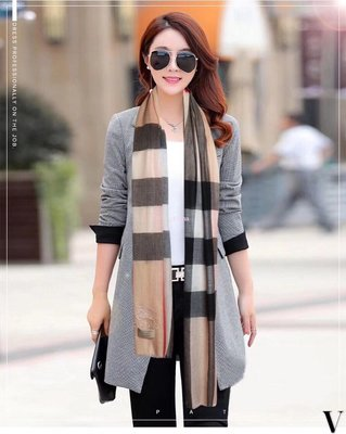 Alina 精品代購Burberry 巴寶莉 英倫都會時尚格紋時尚優雅保暖圍巾 披肩 顏色1 outlet代購