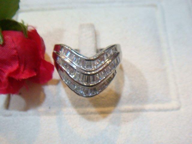 賠售換現亮眼熣燦 F級1.35克拉鑽石pt900純白金寬版V字造型鑽戒