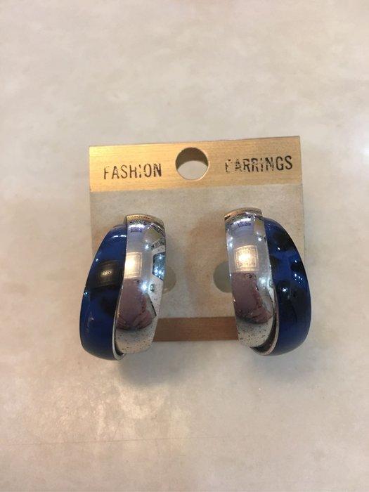 。☆二手☆。環型夾式耳環//藍銀//原價一千多