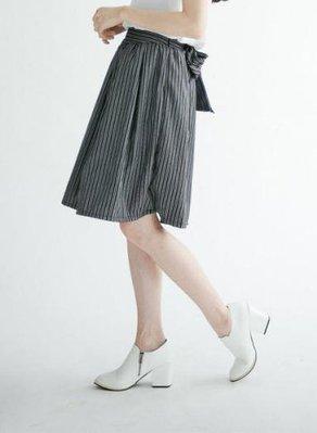 轉賣 [Lemon Drop] 文青風 直條紋 條紋 後綁帶 中長裙 及膝裙 裙子 深藍色