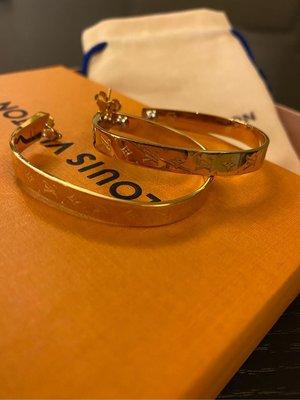 「naomi私藏貨」全新真品 專櫃買回 金色經典方圈 耳環 Louis Vuitton Louise Hoop Earrings 金色LV Logo 方圈耳環