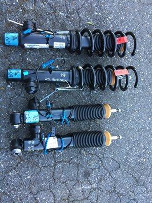 BMW F15 x5 F16 X6原廠電子避震器  新車就拆下