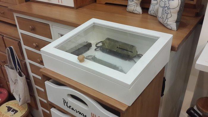 ~Cotton Milk 雜貨散步~ 日本自然風鄉村雜貨---原木玻璃展示收納盒(日雜代表款)