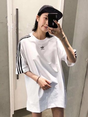 Adidas WARM-UP  蝙蝠五分袖圓領情侶款短袖T恤  尺碼m-xl