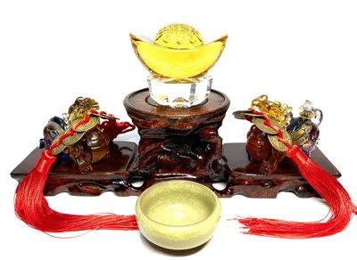 【收藏家】頂級琉璃貔貅 招財開運套組 琉璃元寶 五帝錢 實木底座 陶瓷供水杯