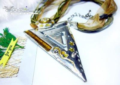 Change Fashion【羽采蝶】設計師彩釉系列-普普風幾何三角圖形金字塔鑲鑽銀色系個性造型項鍊