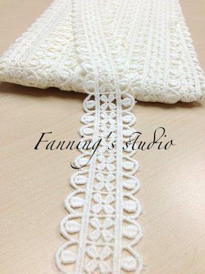 【芬妮卡Fanning服飾材料工坊】膠囊小花刺繡蕾絲 高3.5cm 1碼入