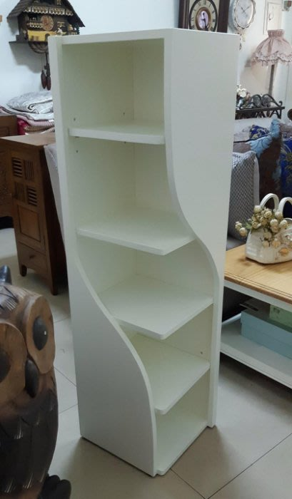 【現貨限量品】美生活館 全新紐松原木 彎彎 曲型 開放收納櫃 書架雜誌架轉角架玄關架花架--象牙白色