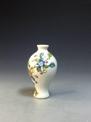 【采芝齋】早期收藏 花卉粉彩 鼻煙壺 鴻運堂製 (瓶口老碰嗑)