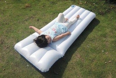 現貨/白色水上充氣床墊 成人男女沖浪浮排 日光浴漂流船躺椅 游泳用品  igo/海淘吧F56LO 促銷價