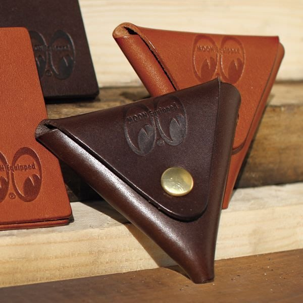 (I LOVE樂多)MOONEYES Classic Coin Case 皮革簡易收納零錢包 雙開向收納