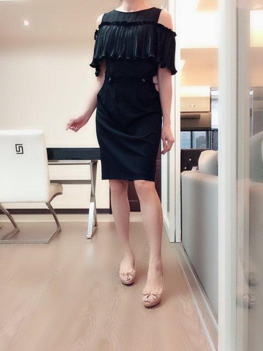 *Beauty*MOSCHINO黑色邊窄裙   I38號    3900元