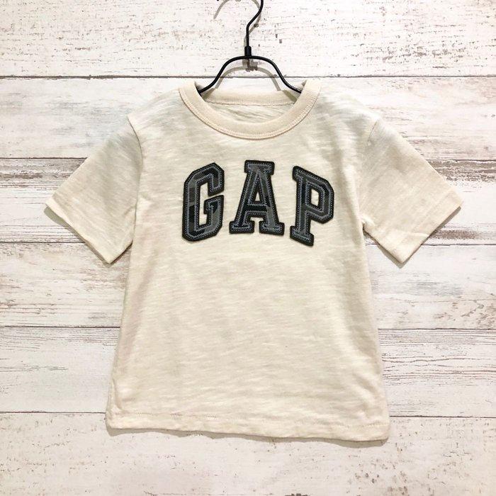 Maple麋鹿小舖 美國購買 童裝品牌baby Gap 男童米色字母短T * ( 現貨18-24mos. )