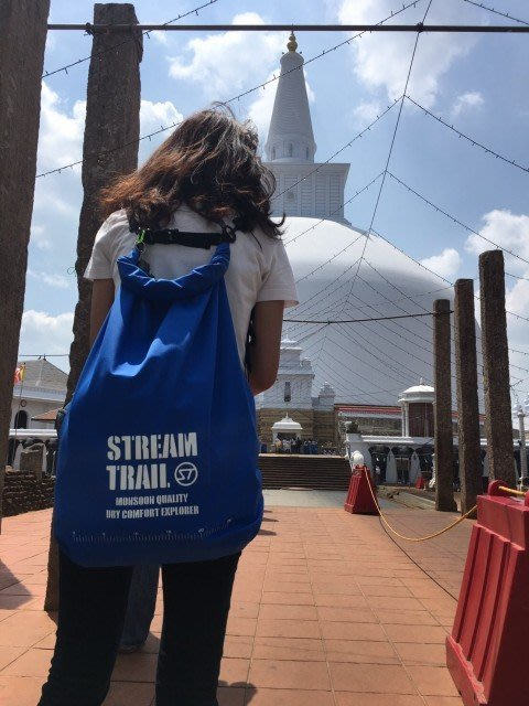 日本Stream Trail AMPHIBIAN系列羽量型防水後背包Breathable Tube M 寶藍