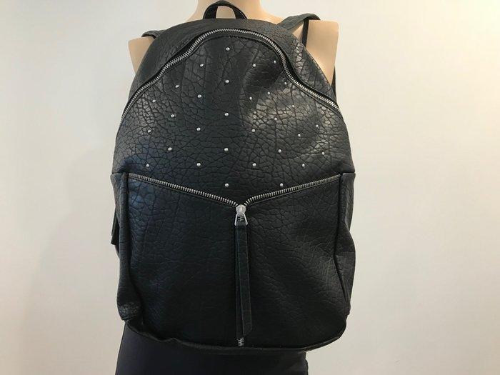 【天普小棧】A&F Abercrombie Studded Faux Leather Backpack鉚釘仿皮後背包