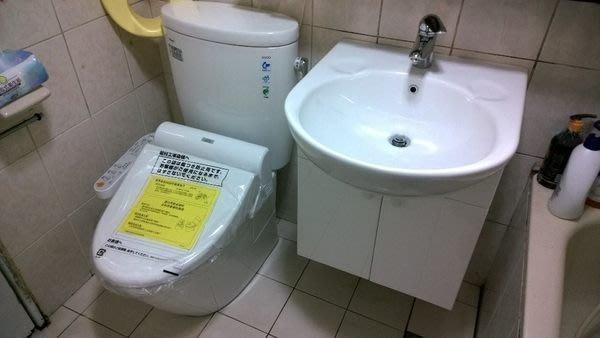 TOTO馬桶CW260+免治馬桶蓋TCF6401+TOTO臉盆LW830+龍頭TLS03301PA+830專用浴櫃