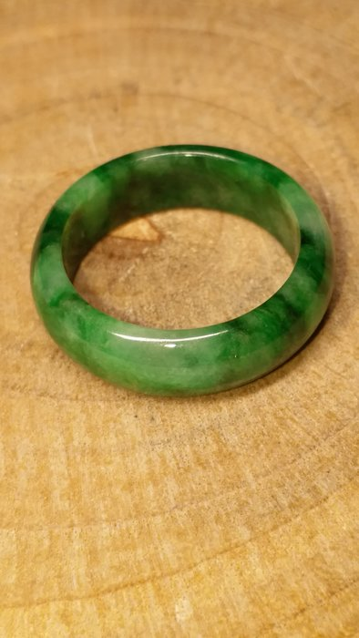 A貨天然緬甸產翡翠戒指 冰飄花翡翠圈戒 綠翡翠戒指 附證書(頭等艙精品) 色美透亮 18.3內徑 玉鐲/蛋面/戒指