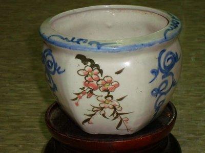 典藏台灣早期鶯歌窯~~彩繪窯燒的精緻老花盆(二)