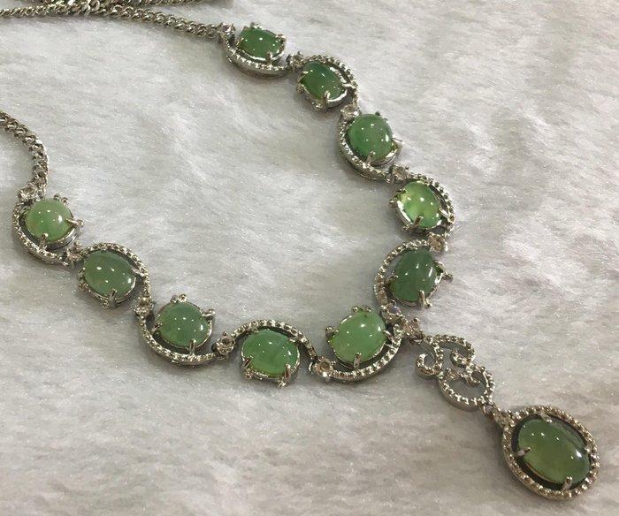 珍奇翡翠珠寶首飾-項鍊系列-天然緬甸玉冰種晴水起螢起光翡翠項鍊。合金鍍銀k台