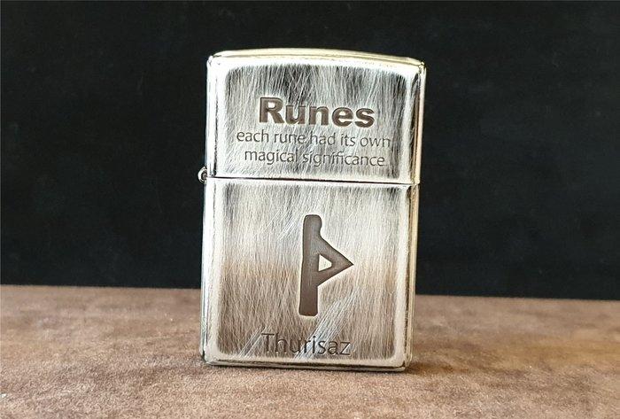 ONE*$1~日系*ZIPPO*Runes Thurisaz《堅強抵抗護身符》六面磨色*蝕刻*編號2UDS-RUNES4