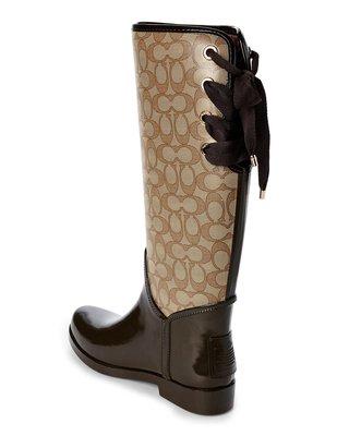 正品Coach C logo雨靴 美國帶回 靴後有綁帶可做蝴蝶結裝飾也可調小腿圍大小 超時尚的雨靴  Yahoo唯一一雙