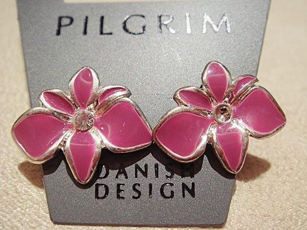 全新丹麥設計款名牌 PILGRIM 粉桃花朵造形穿式耳環,低價起標無底價!本商品免運費!