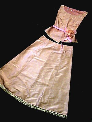 專櫃設計師品牌   粉繡花套裝