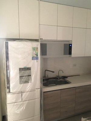 台中系統櫃優惠中--廚房90度轉角規劃隱藏式門片雙開門系統廚櫃組 ( 湯姆 隱藏式門片系統櫃 ) 客製化 不含三機