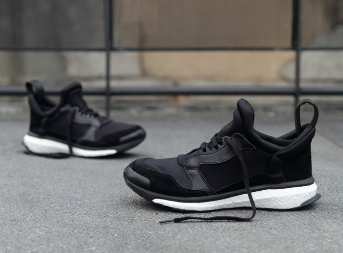 INDiCE ↗ ADIDAS Blue Boost S82496 男性運動休閒鞋 時尚黑