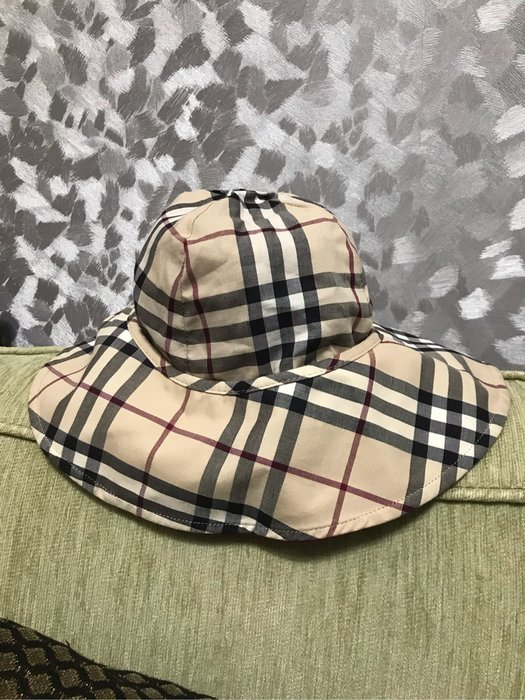 BURBERRY 紅色/經典格紋雙面漁夫帽