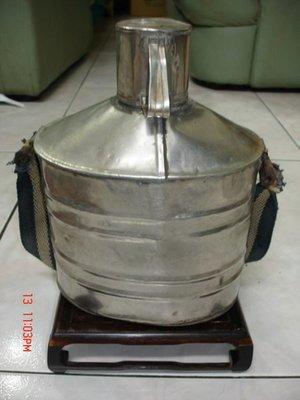 珍藏台灣早年阿魯米製作的老茶壺---老-淳樸